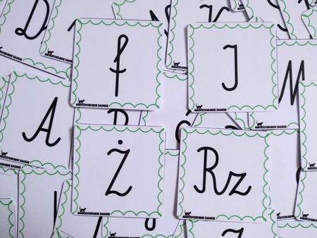 litery pisane czcionka elementarzowa karty